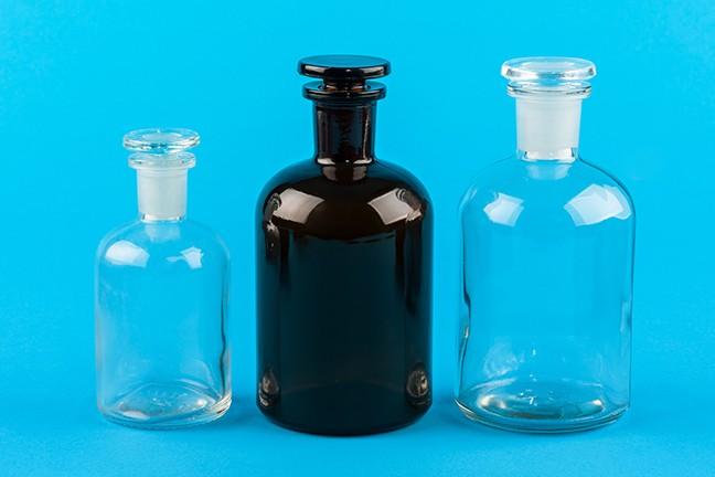 Μπουκάλια με εσμυρισμένο πώμα